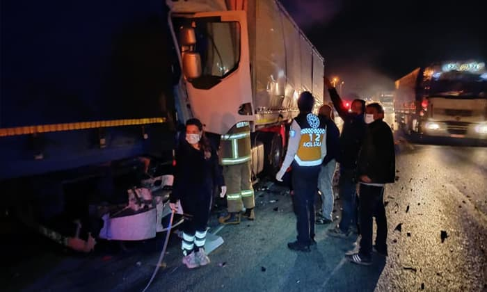 Demirkapı'da trafik kazası: 3 tır zincirleme kaza yaptı