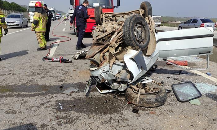 Mustafakemalpaşa'da trafik kazası: 1 ölü, 3 yaralı