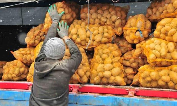 Susurluk'ta soğan ve patates ihtiyaç sahiplerine dağıtıldı