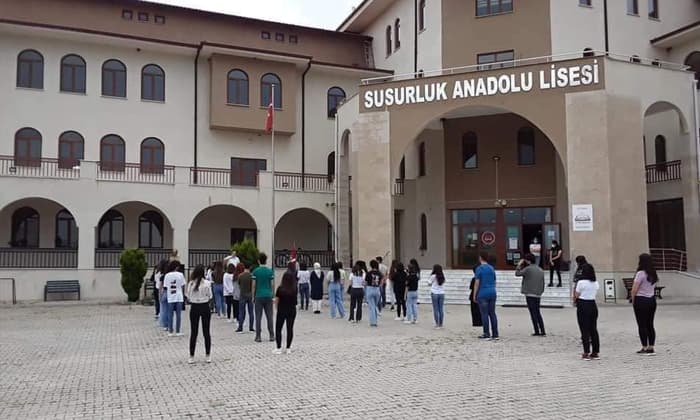 Susurluk Anadolu Lisesi nitelikli liseler listesine alındı